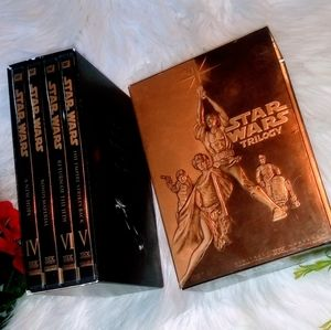 ⭐Like NEW! Star Wars Trilogy Gold Collectors Set⭐